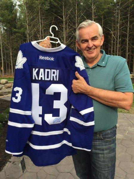 Dave Sharp holding up the Kadri jersey!
