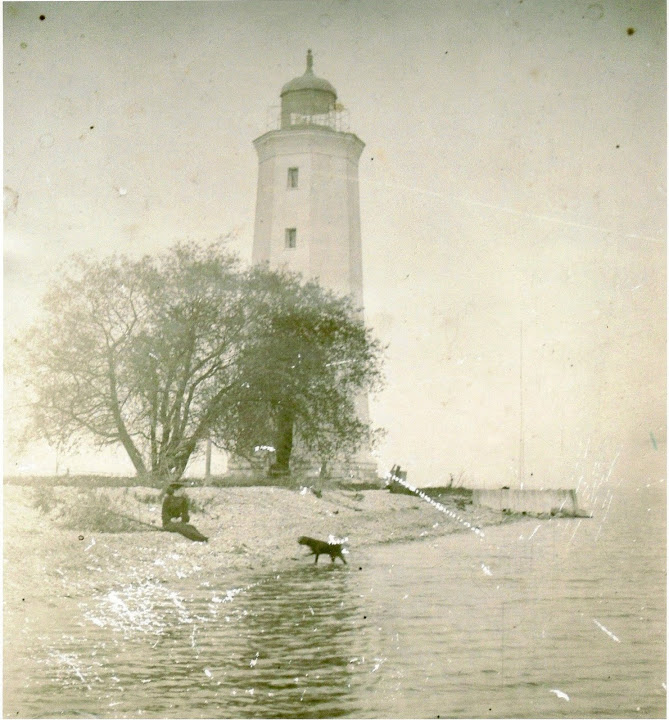 Old photos of the Presqu'ile Point Lighthouse. Brighton, Ontario